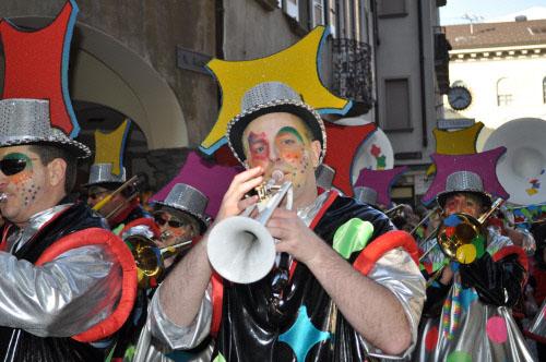 Ticino: Fasnachtsumzug in Bellinzona